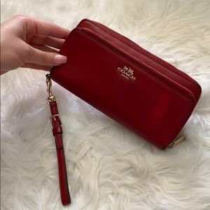 RED COACH WALLET ❤️